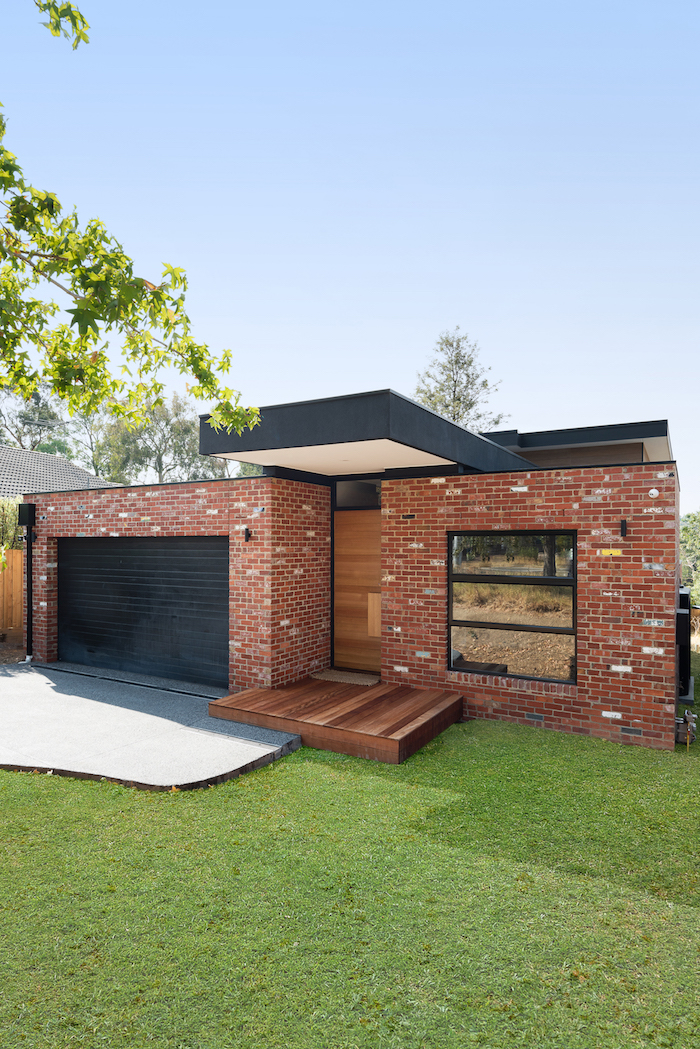 Recycled Red Brick Home Briar Hill Vital Build